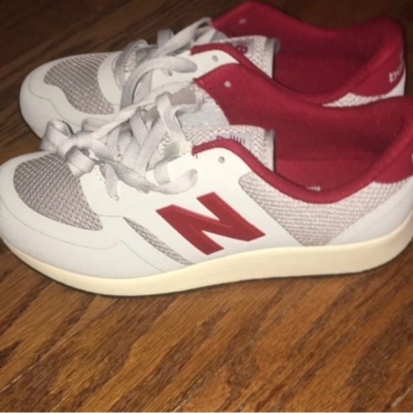 reputable site a8033 929c0 🌼SALE🌼 New Balance Retro Style Sneakers